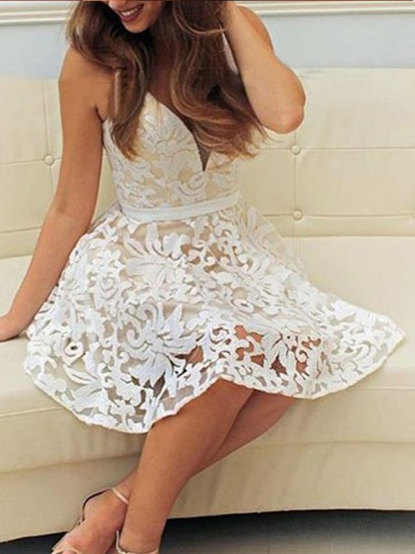 A-Line V-neck Short/Mini Lace Prom Dresses