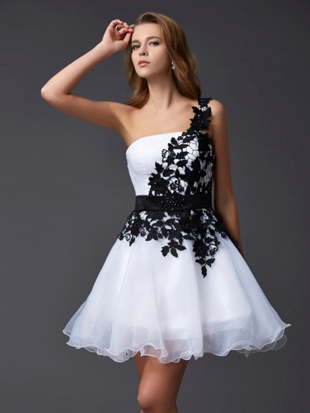 A-Line One-Shoulder Lace Organza Short Homecoming Dresses