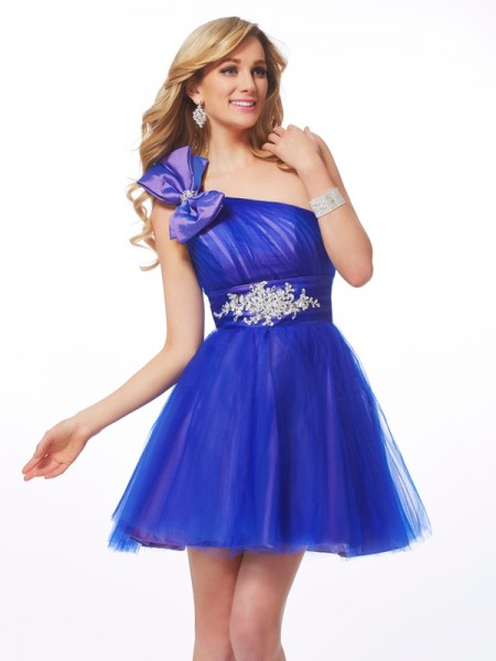 A-Line One-Shoulder Beading Short Net Homecoming Dresses