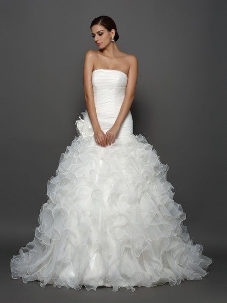 Strapless Hand-Made Flower Organza Ball Gown Wedding Dresses