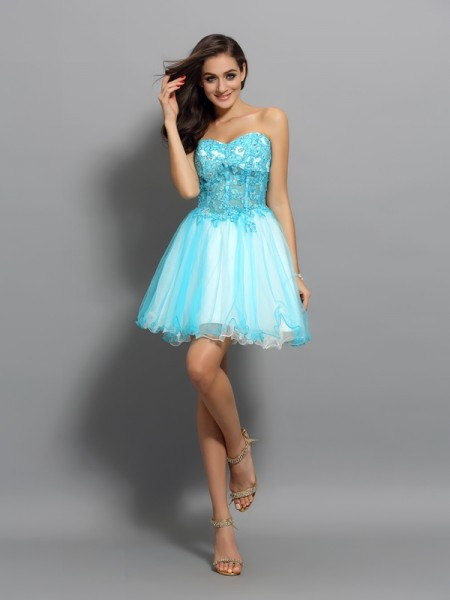 A-Line Sweetheart Applique Beading Short Satin Homecoming Dresses