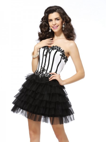 A-Line Sweetheart Applique Short Tulle Homecoming Dresses