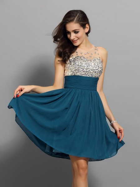 A-Line Bateau Rhinestone Short Chiffon Homecoming Dresses