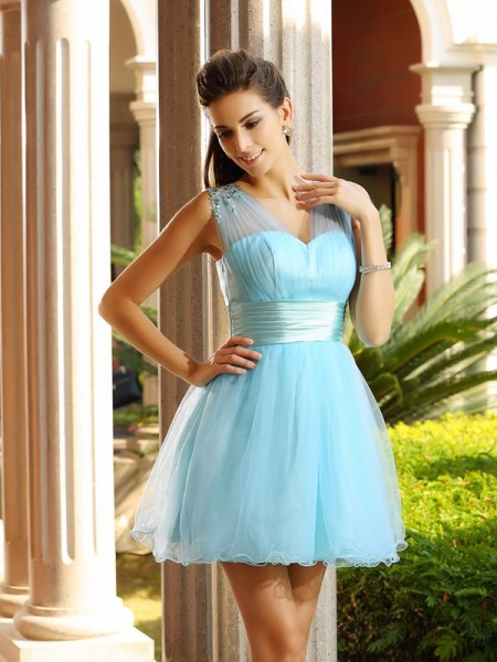 A-Line V-neck Pleats Short Net Homecoming Dresses