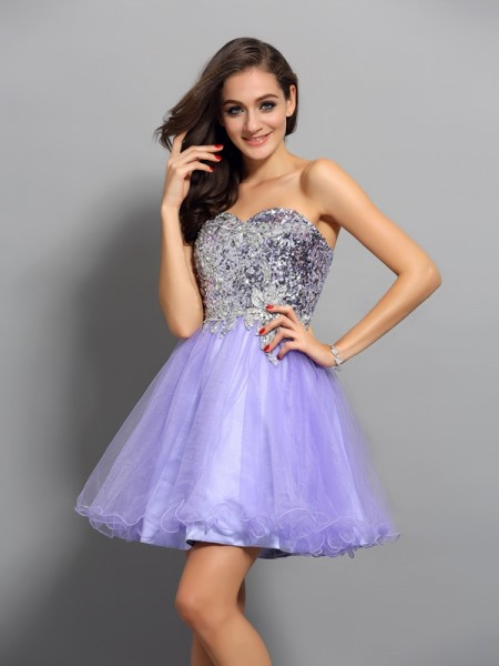 A-Line Sweetheart Beading Applique Short Net Homecoming Dresses