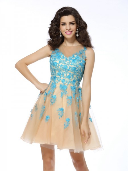 A-Line Bateau Applique Short Tulle Homecoming Dresses