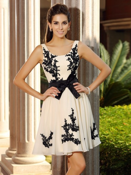 A-Line Square Applique Short Chiffon Homecoming Dresses