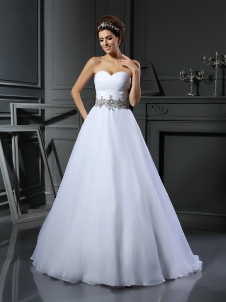 Sweetheart Beading Satin Ball Gown Wedding Dresses