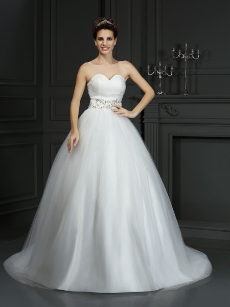 Sweetheart Beading Net Ball Gown Wedding Dresses