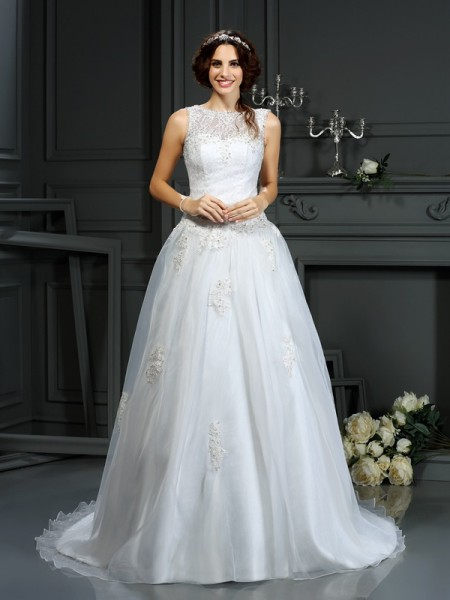A-Line Scoop Applique Net Wedding Dresses
