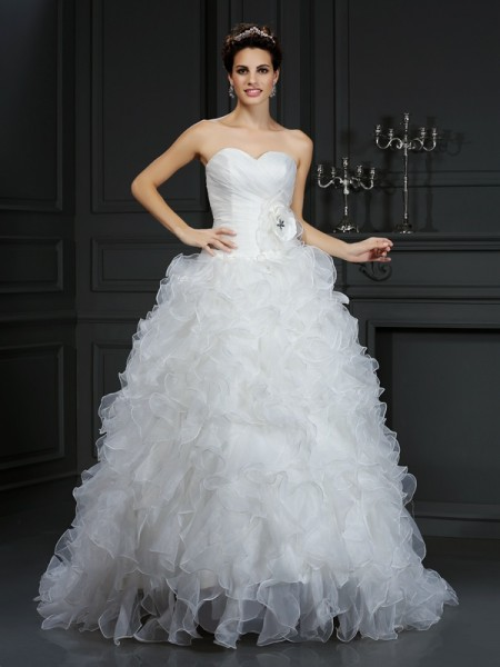 Sweetheart Hand-Made Flower Organza Ball Gown Wedding Dresses