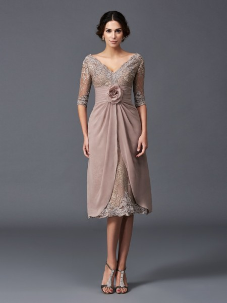 A-Line V-neck Hand-Made Flower Short Lace Mother of the Bride Dresses