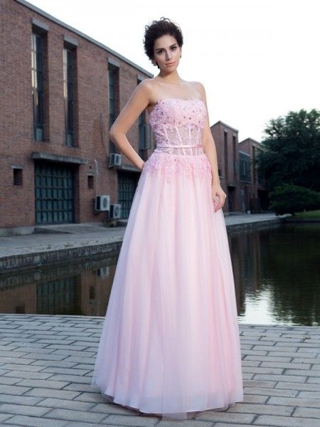A-Line Straps Applique Net Prom Dresses
