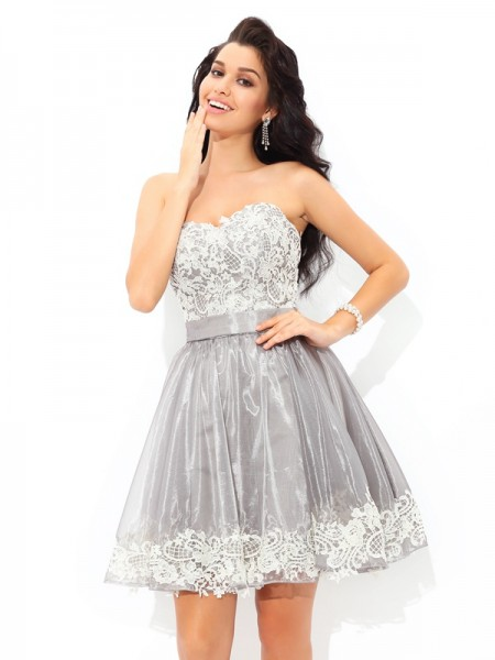 A-Line Sweetheart Lace Short Tulle Homecoming Dresses