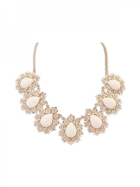 Latest Occident All-match Floret Water Drop Temperament Hot Sale Necklace