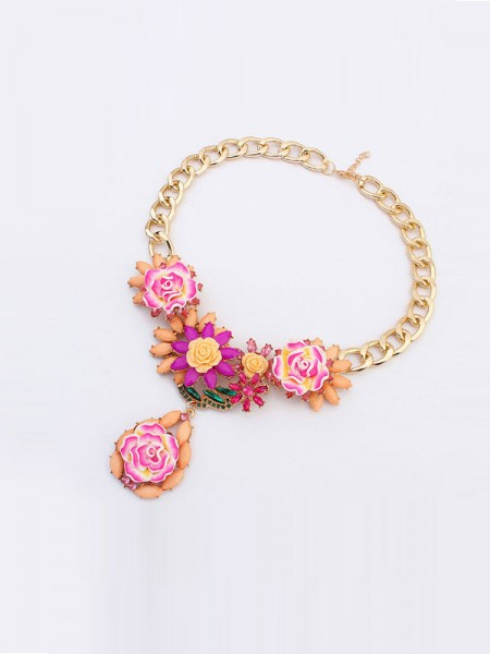 Latest Occident Fashionable Retro Temperament Flowers Hot Sale Necklace