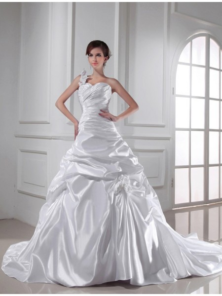 A-Line One-shoulder Sweetheart Pleats Elastic Woven Satin Wedding Dresses