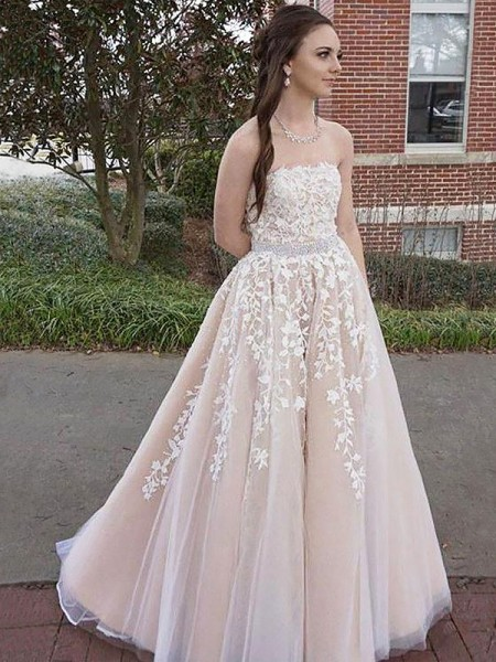 A-Line Strapless Floor-Length Applique Tulle Prom Dresses
