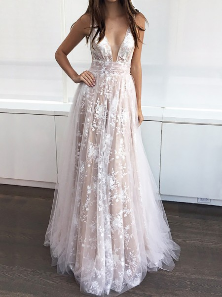 A-Line V-neck Floor-Length Tulle Applique Prom Dresses