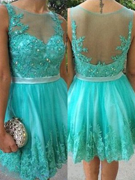 A-Line Applique Scoop Tulle Short/Mini Homecoming Dresses