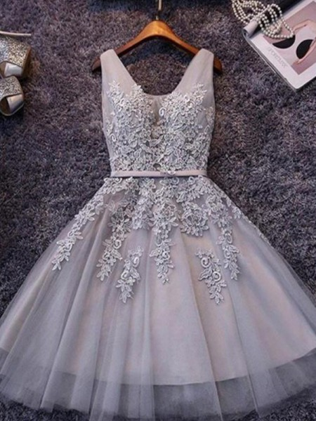 A-Line Straps Tulle Applique Short/Mini Homecoming Dresses