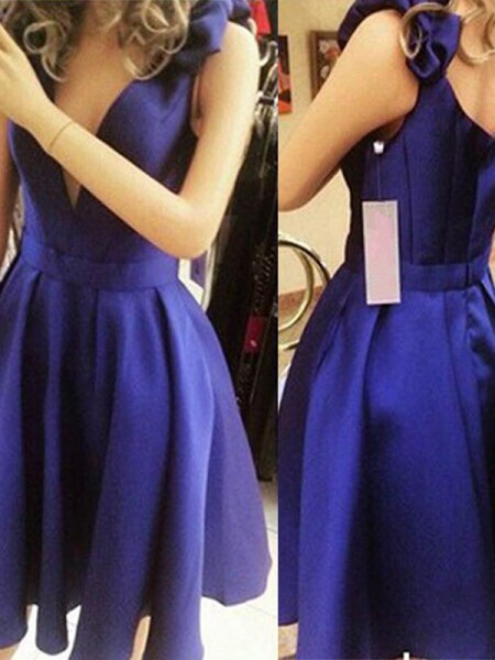 A-Line Straps Satin Bowknot Short/Mini Homecoming Dresses