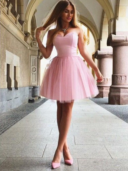 A-Line Sweetheart Ruffles Satin Short/Mini Homecoming Dresses