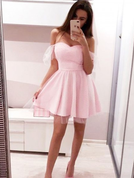 A-Line/Princess Tulle Off-the-Shoulder Short Sleeves Ruffles Short/Mini Homecoming Dresses