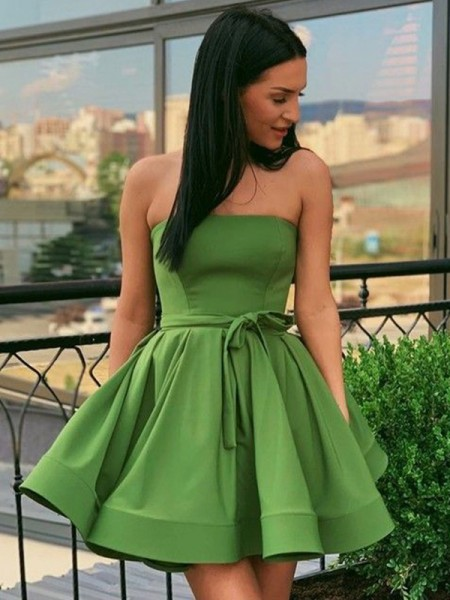 A-Line/Princess Strapless Ruffles Sleeveless Satin Short/Mini Homecoming Dresses