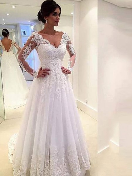 V-neck Lace Sweep/Brush Train Tulle Ball Gown Wedding Dresses