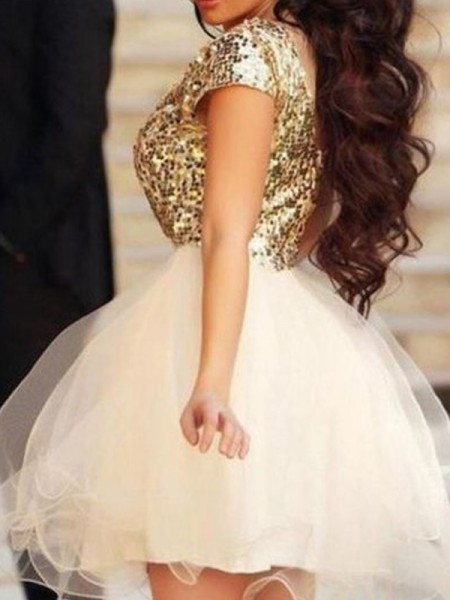 A-Line Scoop Sequin Tulle Short/Mini Homecoming Dresses