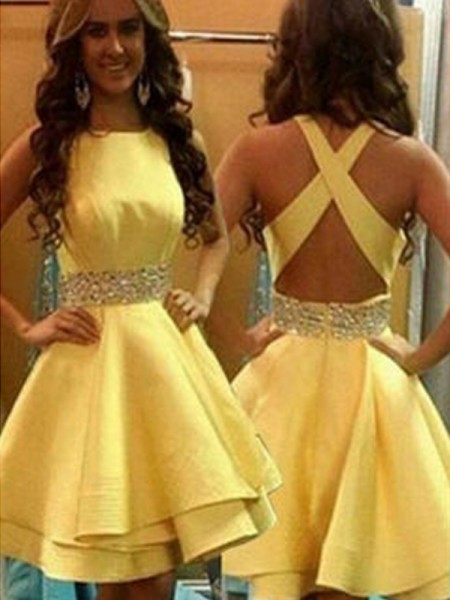 A-Line Scoop Beading Satin Short/Mini Homecoming Dresses