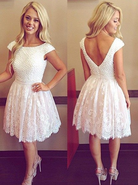 A-Line Scoop Pearls Lace Short/Mini Homecoming Dresses