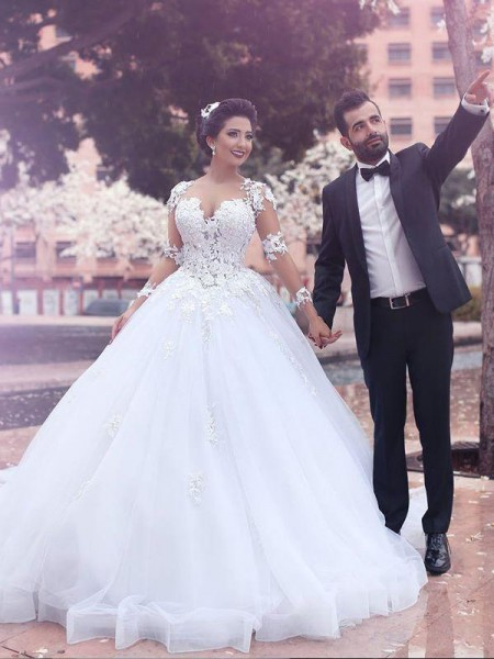 Court Train Sweetheart Tulle Ball Gown Wedding Dresses