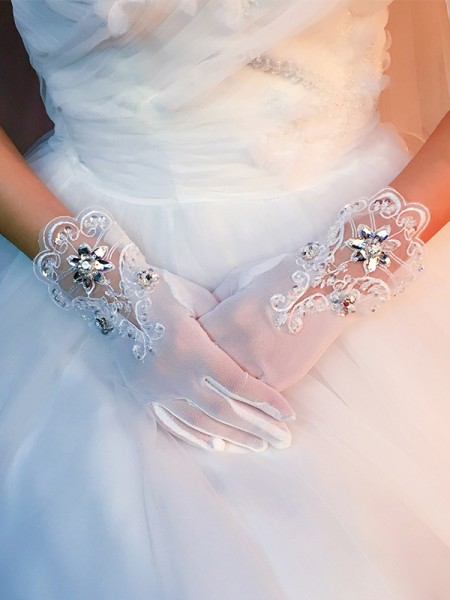 Fashion Stunning Tulle With Applique Wedding Gloves