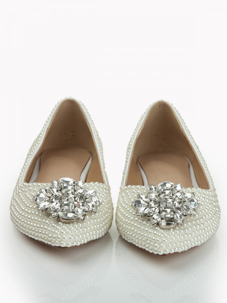 Latest Women's Patent Leather Closed Toe Flat Heel With Pearl Rhinestone Flat Shoes