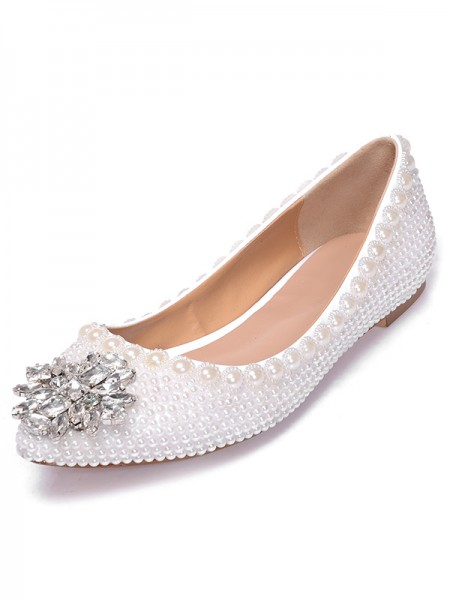 Latest Women's Patent Leather Closed Toe Flat Heel With Pearl Rhinestone Casual Flat Shoes