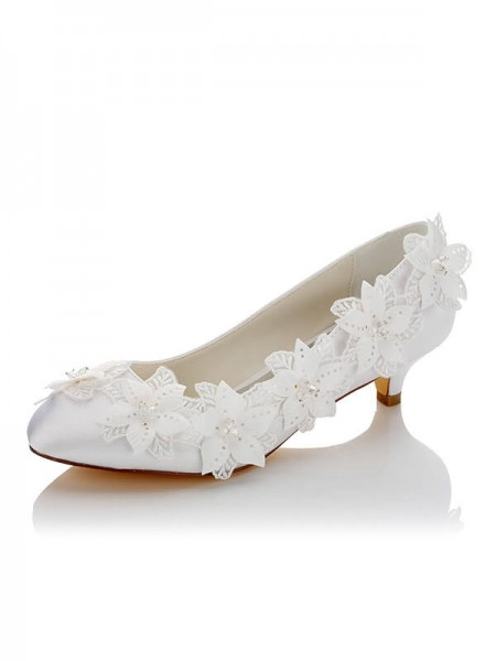 Latest Women's Satin PU Closed Toe Spool Heel Wedding Shoes
