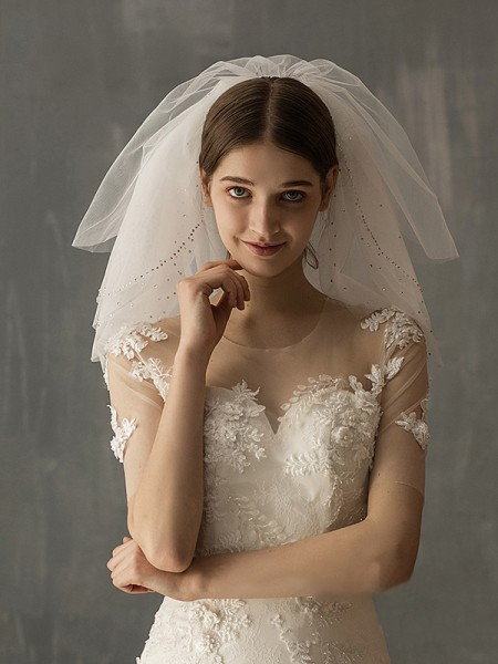 Fashion Attractive Tulle Two-Tier With Sequin Shoulder Veils