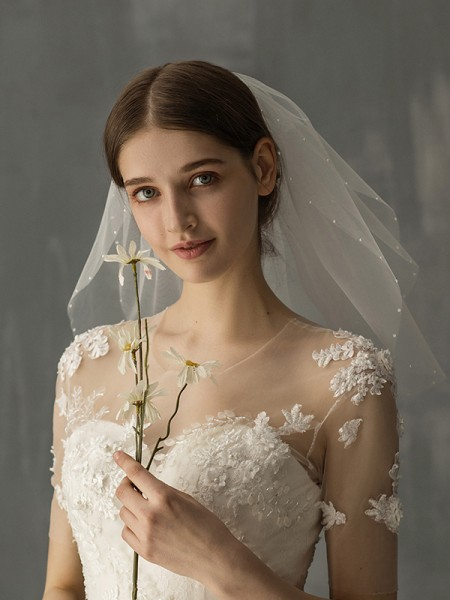 Fashion Attractive Tulle One-Tier With Imitation Pearl Shoulder Veils