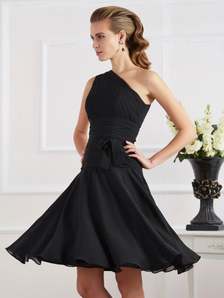 A-Line Chiffon One-Shoulder Pleats Short Homecoming Dresses
