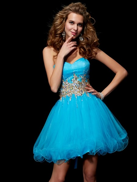 A-Line Sweetheart Beading Short Net Homecoming Dresses