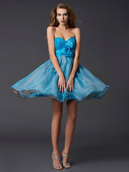 A-Line Sweetheart Lace Short Taffeta Homecoming Dresses