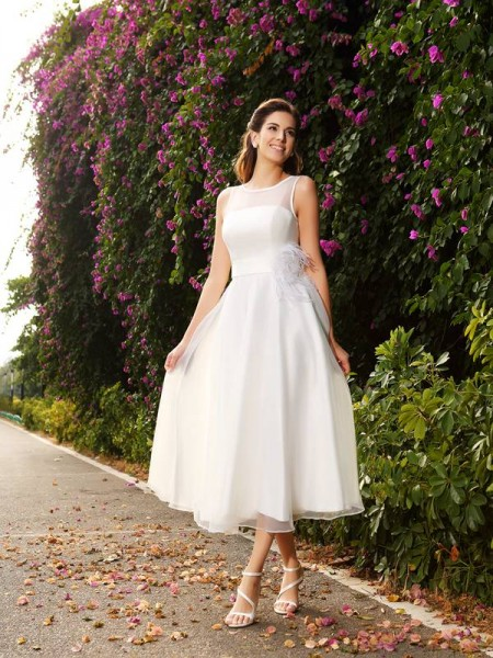 A-Line Bateau Sash/Ribbon/Belt Satin Wedding Dresses