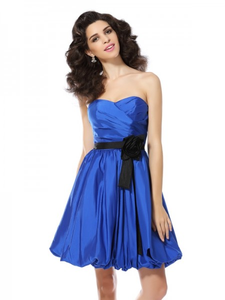 A-Line Sweetheart Hand-Made Flower Short Taffeta Homecoming Dresses
