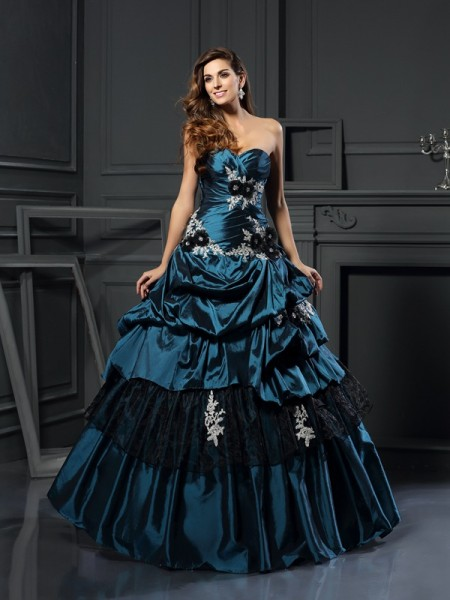 Sweetheart Beading Taffeta Ball Gown Quinceanera Dresses