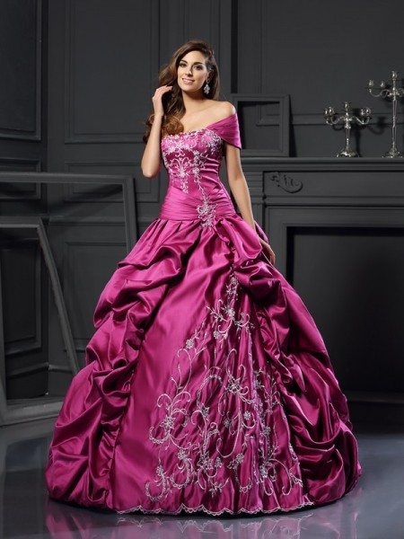 Sweetheart Applique Satin Ball Gown Quinceanera Dresses