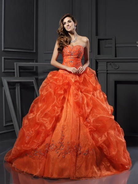 Sweetheart Beading Organza Ball Gown Quinceanera Dresses