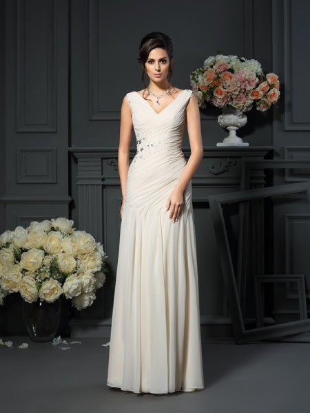 Sheath V-neck Beading Chiffon Mother of the Bride Dresses