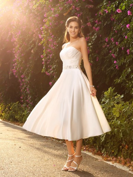 A-Line Sweetheart Beading Short Satin Wedding Dresses